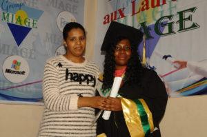 Visite de Mme Ntchibinza la maman de Mlle Fannycia Ntchibinza – MIAGE Casa